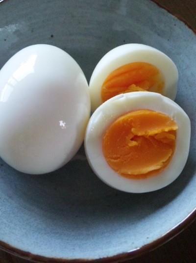 イライラ解消!つるんとむけるゆで卵のコツ