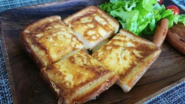 フライパンでカリふわ♪「たまごチーズトースト」で朝から大満足☆