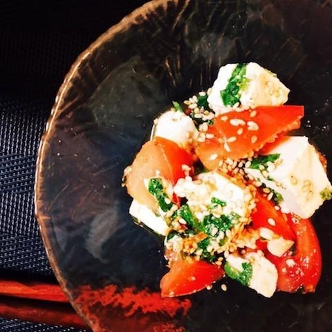 【5分で作れる夏副菜】「トマトと豆腐の和え物」