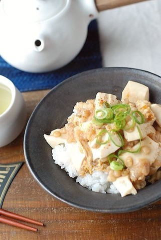 【お得&ヘルシー】財布とお腹に優しい「豆腐丼」で簡単ランチ