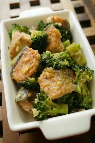【彩りよし!】おしゃれなデリ風♪ ブロッコリーの作りおきサラダ4選