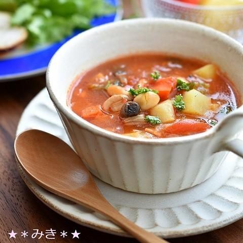 【朝はこれ一杯でOK】野菜たっぷりで◎「食べるスープ」でおなか大満足