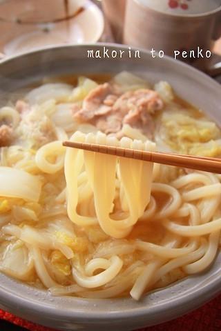 白菜1/2玉を一度に消費!豚肉の旨味とけ込む絶品「うどん鍋」献立