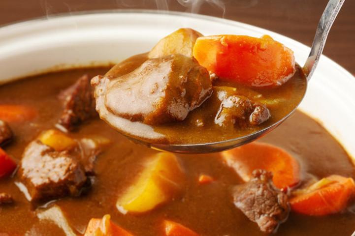 【裏ワザ】安いお肉は「砂糖」をもみ込むだけで柔らかくなる!