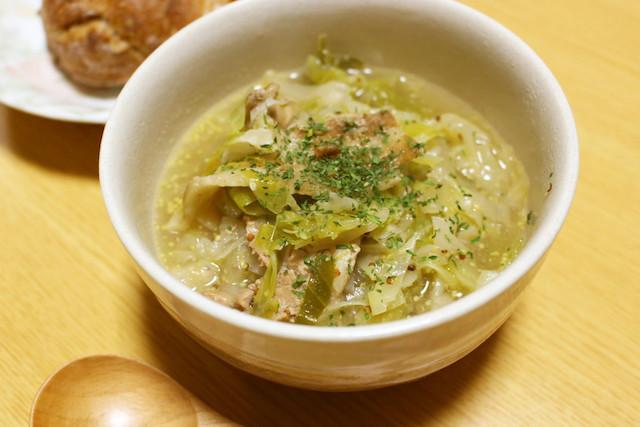 キャベツ大量消費!うまみたっぷり「食べるスープ」4選