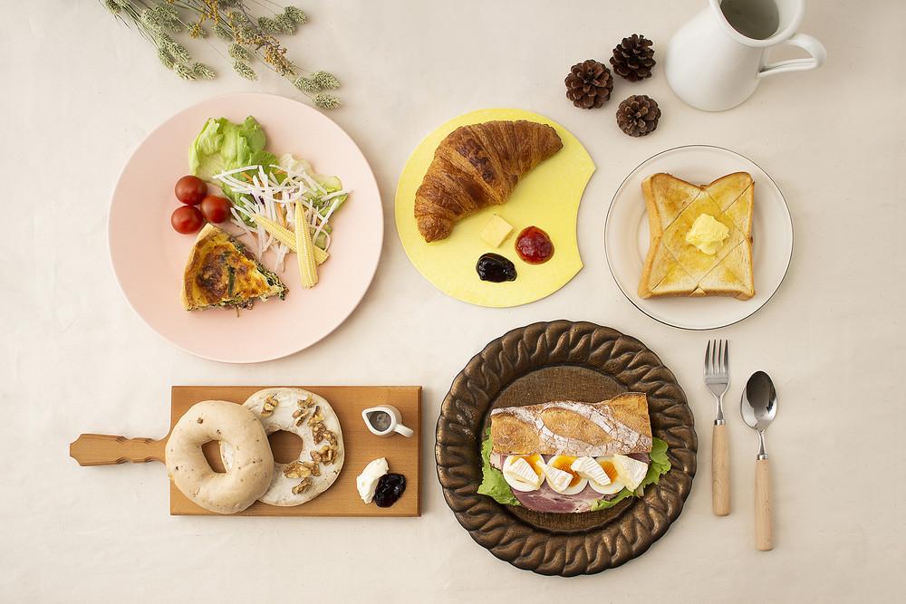 【新生活のスタートに】朝食をもっとおいしく楽しく♪「パン」に合ううつわの選び方