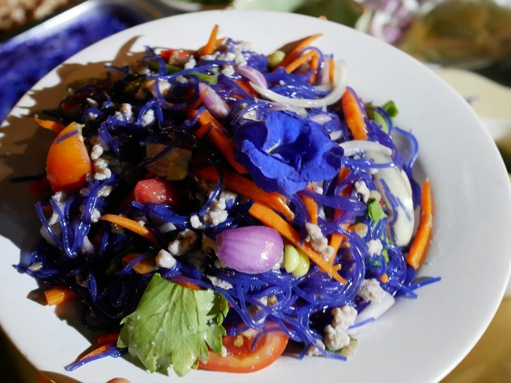 暑い季節を涼しく!タイの「青色料理」の知恵を紹介【世界の台所探検】