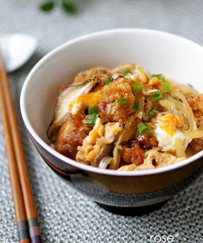 【ひとりランチに】家にある食材でパパっと簡単♪「卵のお手軽丼」レシピ5選