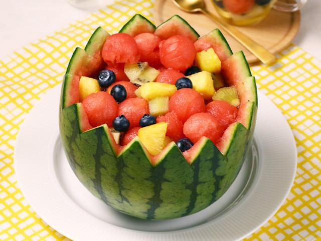 ひんやり美味♪フルーツを器にした「キラキラ宝石箱」を作ろう!