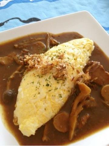 卵とご飯を混ぜて焼くだけ♪「ズボラオムライス」が簡単うま〜い!