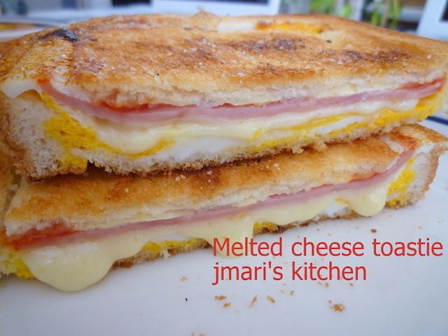 味や食材で食べごたえも◎冷凍食パン活用の「お手軽トーストランチ」バリエ4選