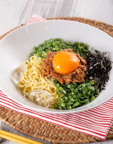 """夏のランチに!「インスタント麺×缶詰」で作れる""""冷たい麺""""レシピ"""