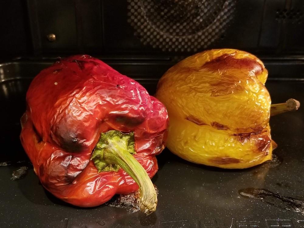 """夏野菜の食べ方新発見☆まるでハチミツのように甘くて美味しい""""まっ黒焦げ焼き""""【世界の台所探検】"""