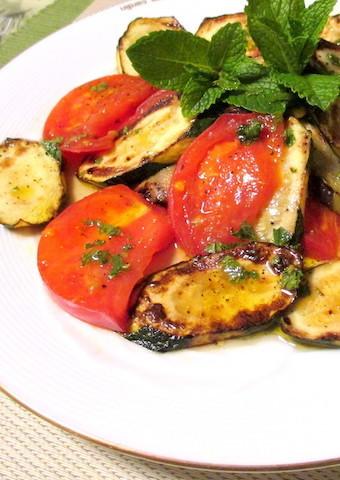食卓がおしゃれに華やぐ「夏野菜のグリルサラダ」がさわやか美味☆
