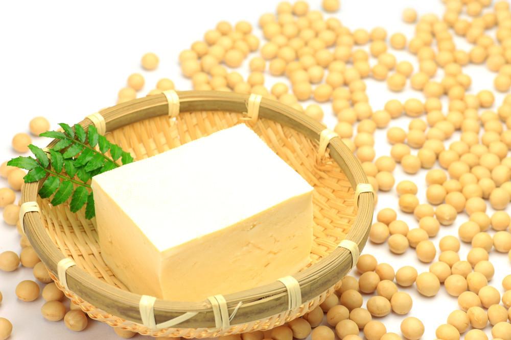 【裏ワザを動画でチェック】面倒な豆腐の水切りにちょっと地味〜なこのワザがすごいっ!