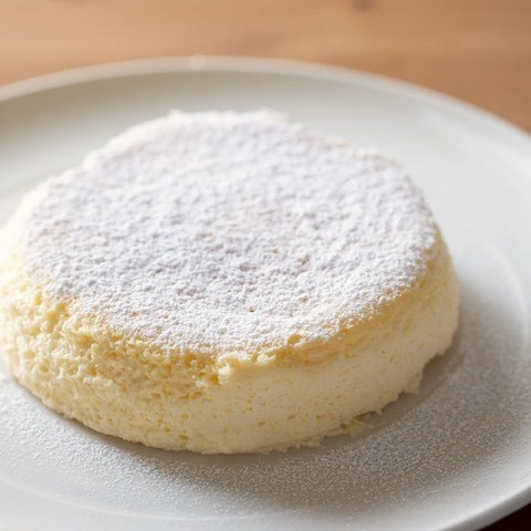 焼き立てふるふる&冷めたらとろしゅわ♪いま話題の「半熟チーズケーキ」を作ってみた!