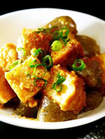 肉なしでも大満足!味しみ美味しい「厚揚げの味噌煮込み」の和風献立