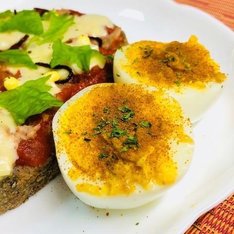 マヨやチーズでコクうま♪「カレー味のゆで卵」がお弁当の隙間にぴったり