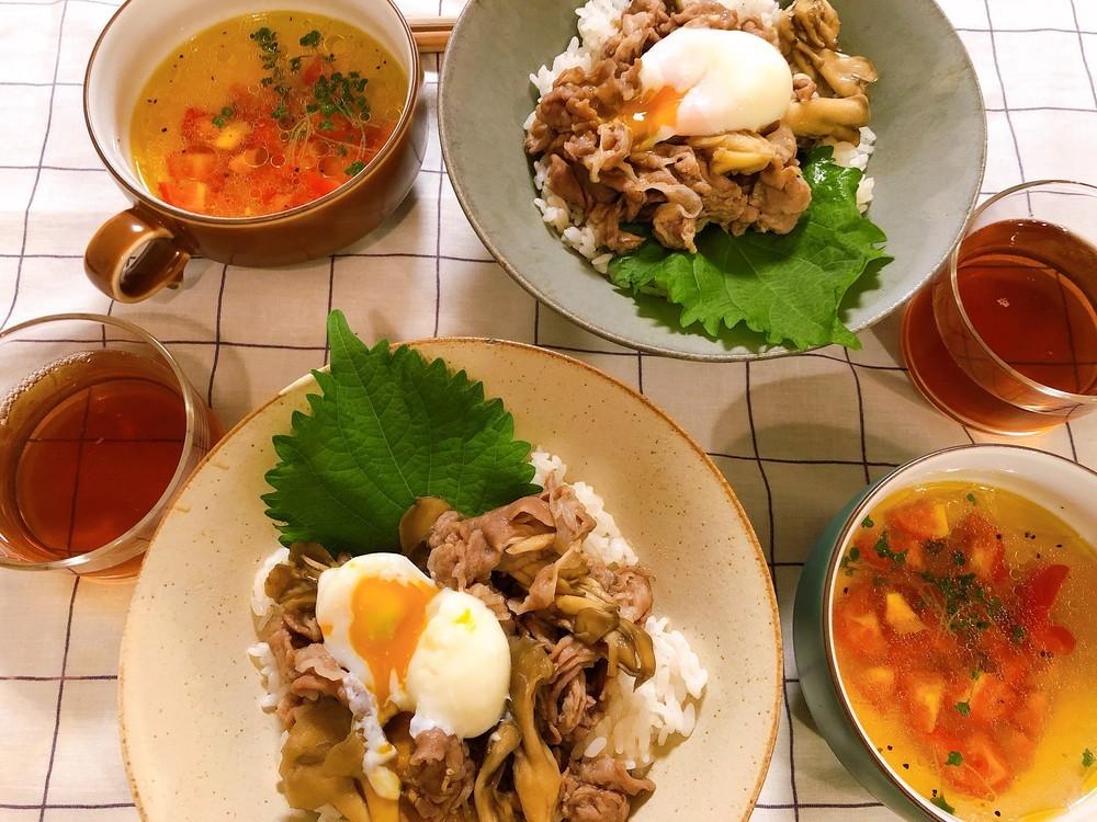 スープはお湯を注ぐだけで完成!速攻作れる「レンチン豚丼」【一汁一菜ふたりごはん】