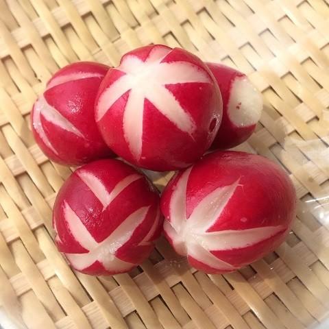 ミニトマトだけじゃない!彩りに困ったときに便利な「赤い色のお弁当おかず」5選