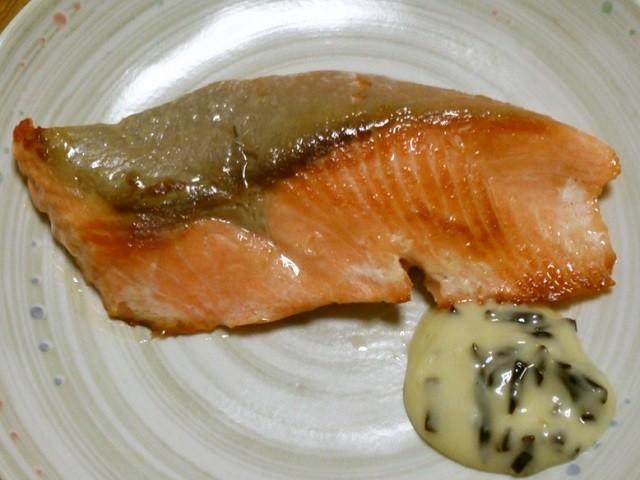 【旬到来】フライパンで「鮭」がふっくら美味しく焼けるコツ