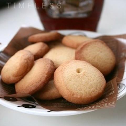 余ってない?優しい甘さが絶品の「メープルシロップクッキー」をおやつに作ろう