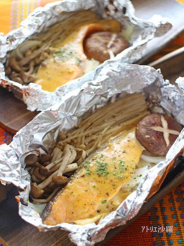 メインはトースターで完成◎「鮭の味噌マヨホイル焼き」の時短献立