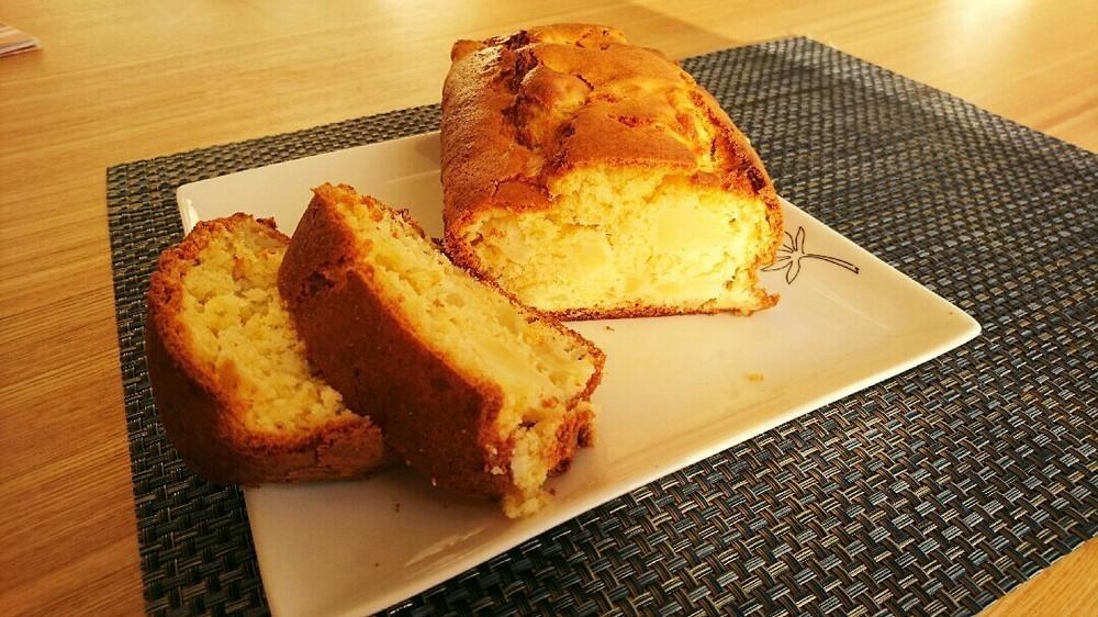 焼くまで10分!簡単なのにしっとり絶品「りんごケーキ」4選