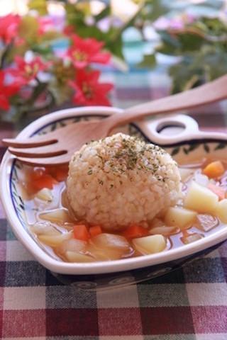 余ったご飯の活用にも!ひとりランチにおすすめの「スープごはん」