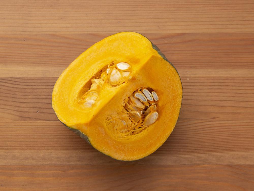 【裏ワザ】家にある器具で「かぼちゃ」を長持ちさせる便利な保存法3選
