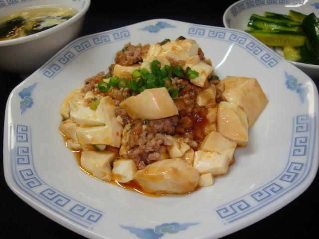 材料を切って混ぜるだけ!レンチンで完成する「麻婆豆腐」の時短献立
