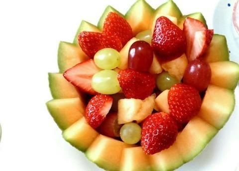 盛り付けるだけで豪華に!おもてなしが華やぐ「パーティーフルーツ」4選