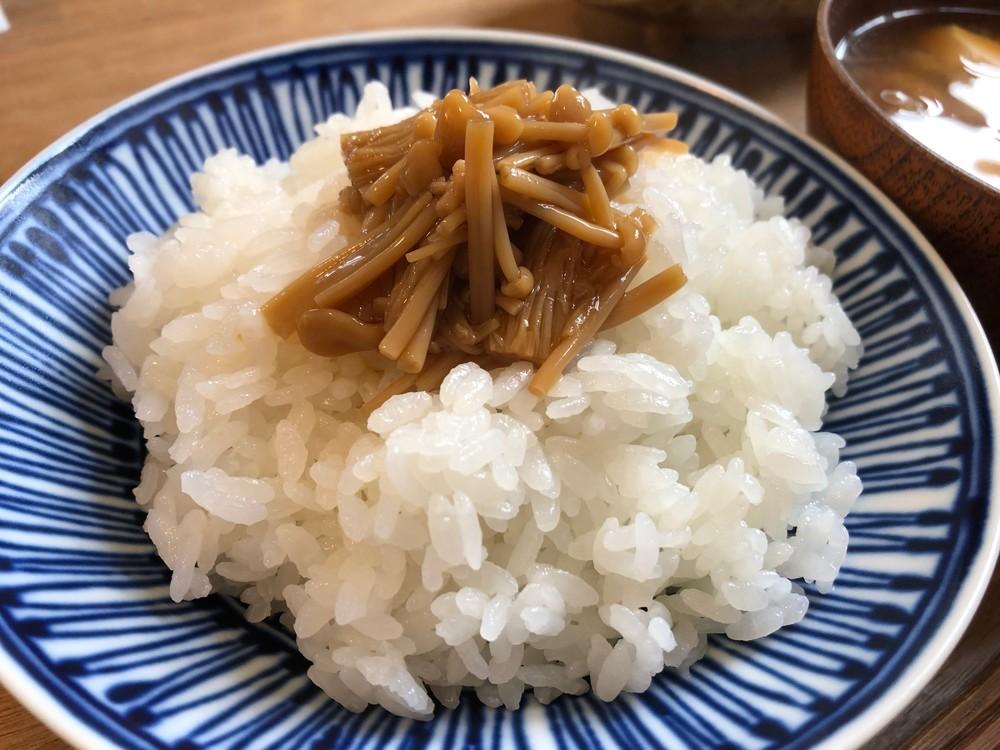 新米を炊飯するときは水を減らす?減らさない?【至福の「ごはんのおとも」レシピvol.8】