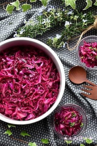 おもてなしにあと1品!野菜ひとつで作れる「デリ風彩りマリネ」バリエ4選