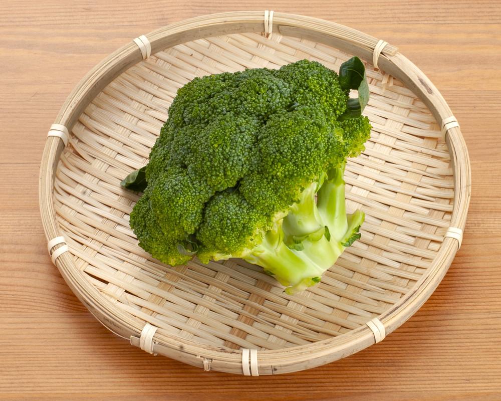 【裏ワザ】カットするだけ!シャキシャキおいしい「ブロッコリー」の冷凍保存法