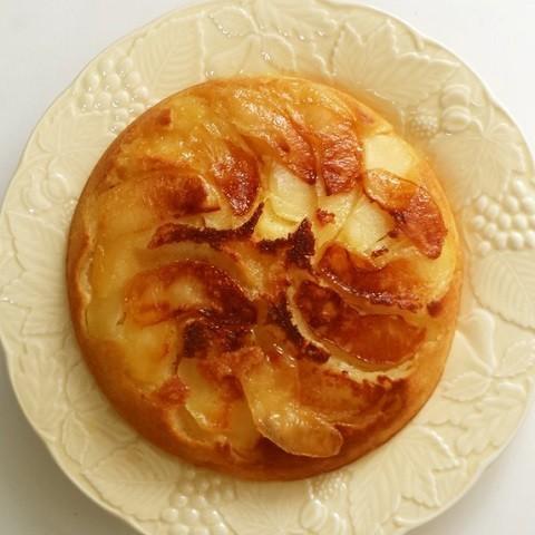 """""""フライパン×ホケミ""""で手軽に作れる!旬に食べたい「りんごケーキ」"""