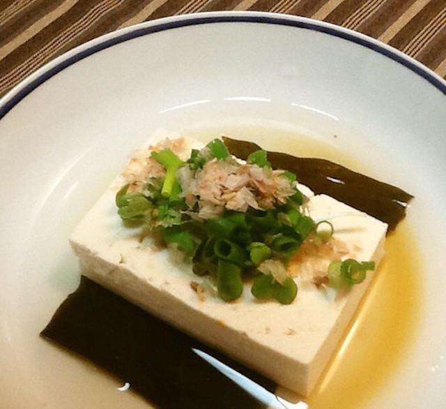 レンチンでOK!あったか副菜「ひとり湯豆腐」を作ってみない?