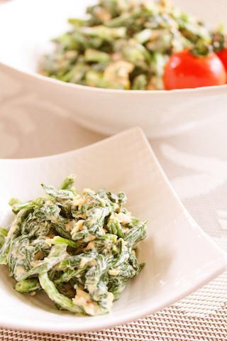 おひたしだけじゃない!「ほうれん草+1品」で子どもも喜ぶ簡単サラダ