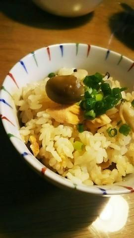材料入れてスイッチオンで完成!忙しい日に便利な「具材まるごと炊き込みご飯」レシピ集