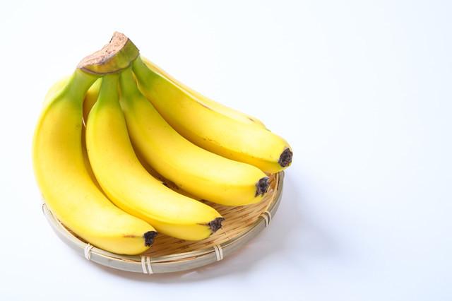 まな板いらずでラクラク!「バナナ」の切り方
