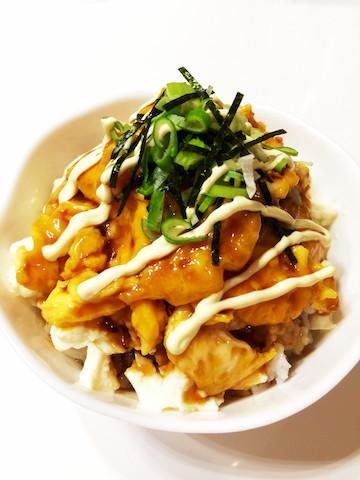 【包丁いらず】冷蔵庫にある食材ですぐ作れる!「マヨタマ丼」でお腹を満たそう