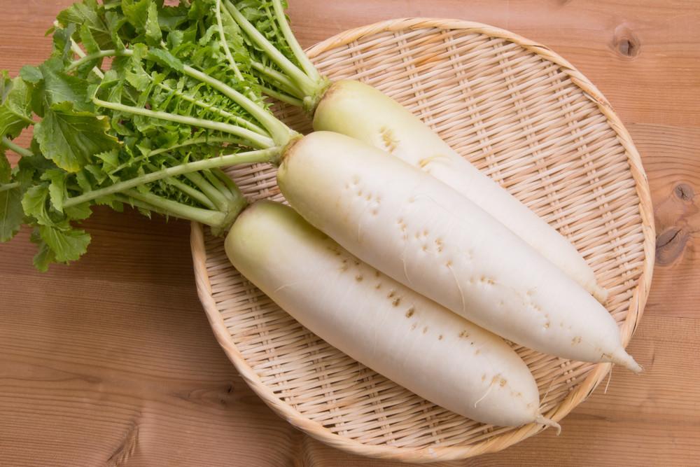 【裏ワザ】野菜室で放置しちゃった「しなしな大根」がシャキッと復活する方法