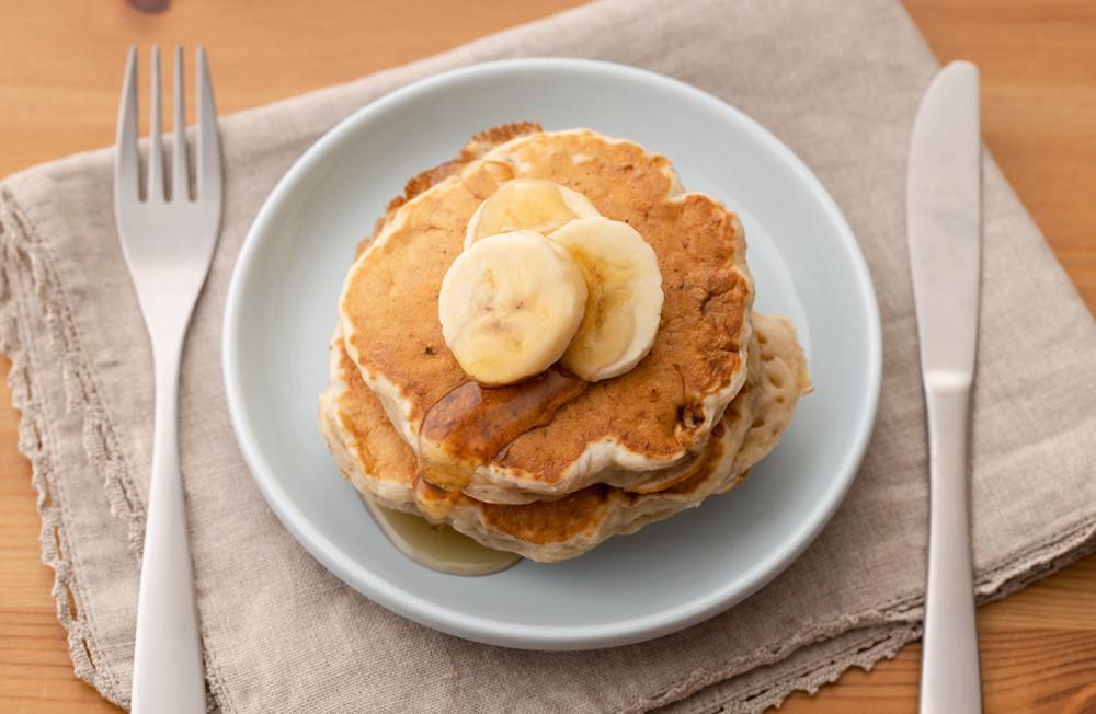 完熟バナナの消費にも!材料3つで作れる「パンケーキ」が朝食やおやつにぴったり♪
