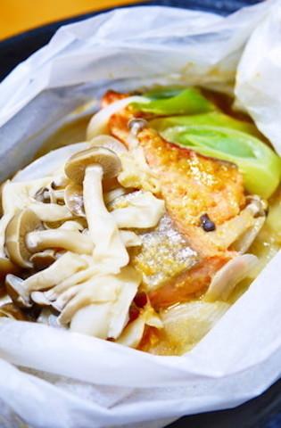 【冷えがつらい人へ】血行を良くして温める「鮭×玉ねぎ」レシピ4選