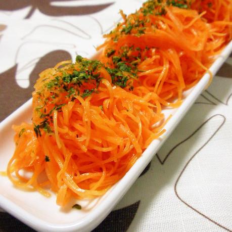 葉物野菜が高いときに!大根や人参など「根菜1つで作れるサラダ」レシピ集