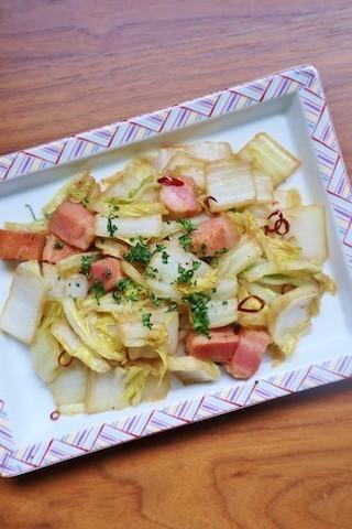 野菜1つ+ベーコンで!さっとできる「ペペロン炒め」を副菜に