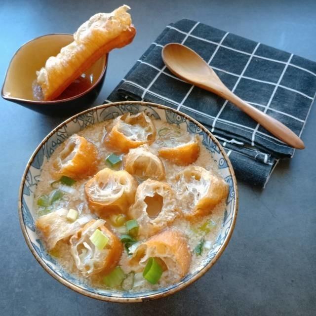 台湾現地の最新グルメ!日本でも話題のゆるふわ豆乳スープ「鹹豆漿(シェントウジャン)」レシピをお届け♪