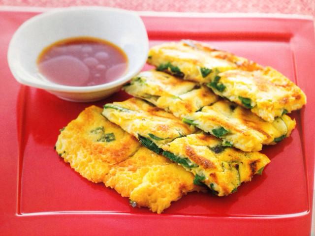 おつまみに◎冷蔵庫の余り野菜で作れる「チヂミ」4選