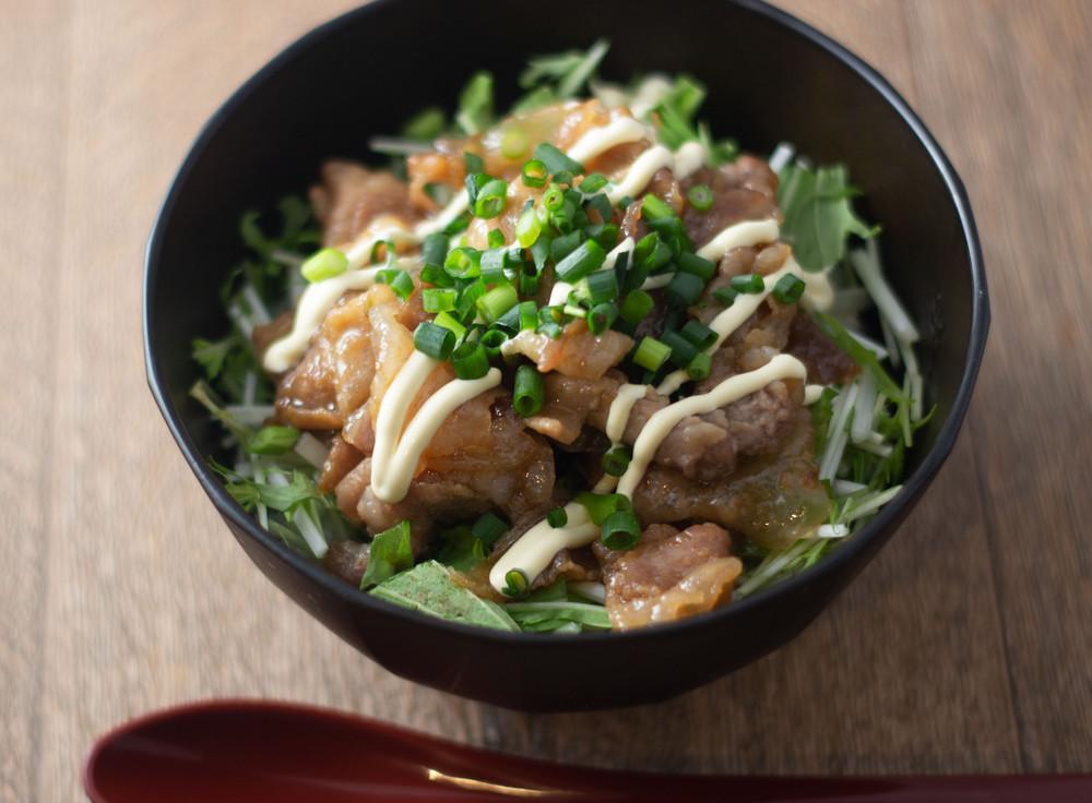忙しい日の時短ランチに!味バリエいろいろ「豚丼」6選