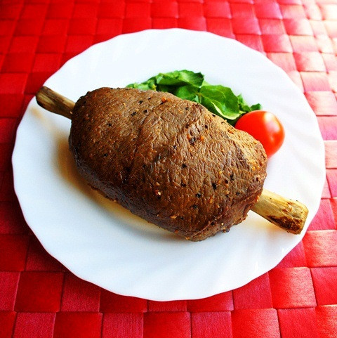 クリスマスの肉料理、今年は「マンモス肉」にしてみない?